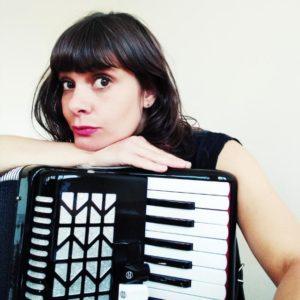 Photo de l'accordéoniste Julie Vatain